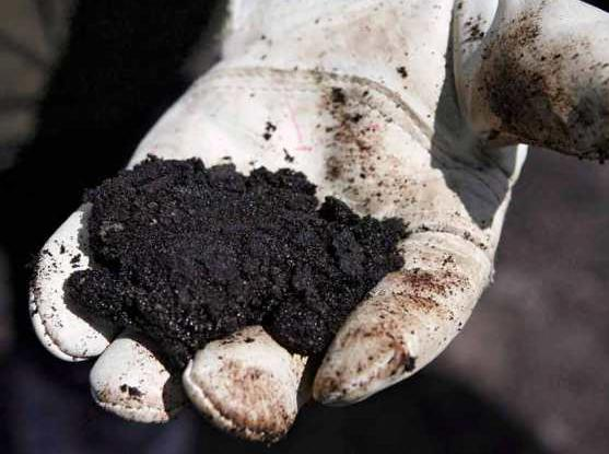 Steam helps clean up sand oil extraction